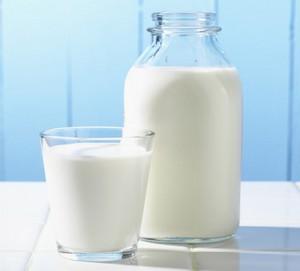 Кефир с маслом – средство от запора