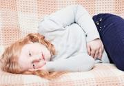 Болит правый бок внизу живота у ребенка